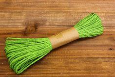 Κορδόνι Χάρτινο Πράσινο Lime  Κορδόνι χάρτινο σε χρώμα πράσινο lime.Εξαιρετικά σταθερό και φυσικό για όμορφα, γερά δεσίματα. Ιδανικό για να δέσετε μπομπονιέρες, προσκλητήρια καθώς και λαμπάδες γάμου, λαμπάδες και κουτιά βάπτισης και λαδοσέτ, αλλά και χριστουγεννιάτικα στολίδια.Χρησιμοποιήστε το επίσης σε συσκευασίες δώρων, κατασκευές και χειροτεχνίες.Μήκος: 20m Tassel Necklace