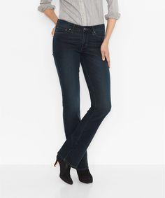 Die »Classic Demi Curve Bootcut« ist ein Klassiker für Stiefelträgerinnen: Mit der leicht ausgestellten Beinpartie des Bootcut Fits bietet sie Platz für Stiefel, Boots oder Stiefeletten und betont diese durch ihren Style. Der Baumwoll-Mix sorgt für Tragekomfort und Sitz und die Demi Curve für perfekte Passform bei Frauen mit normal ausgeprägter Taillenkontur. Weitere Attribute: Der normal hohe ...