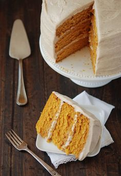 Pumpkin Dream Cake with Cinnamon Maple Cream Cheese Frosting. Hello fall #foods #recipes