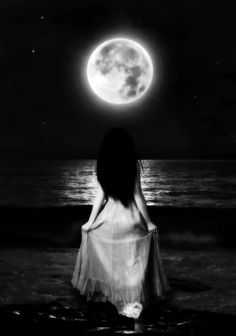 Here are 101 inspirational moon quotes. The bright moon shines in the sky can heighten our emotions in many ways. Moon Moon, Moon Art, Blue Moon, Moon River, Fantasy Magic, Fantasy Art, Wiccan, Magick, Street Photography
