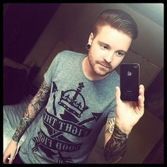 Matty Mullins of Memphis May Fire. Memphis May Fire, Screamo Bands, Matthew West, Giving Up On Life, Hand Tats, Chris Tomlin, Mikey Way, Bob Seger, King And Country