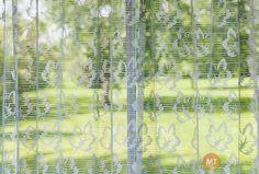 Takto bílé záclony získáte, když do pračky přidáte bavlněný sáček se skořápkami. Foto: ©Depositphotos.com/elenathewise Nordic Interior, Cleaning, Furniture, Home Decor, Craft, Decoration Home, Room Decor, Home Furnishings, Home Cleaning