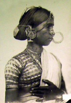 India | Portrait of a Bayadere (Devadasi, temple dancer).  Telinga. Coromandel Coast region.  ca. 1857 - 1861 | Photographer Fedor Jagor