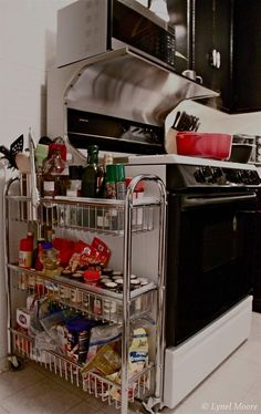 Even a narrow rolling cart can serve as extra storage. | 27 Lifehacks For Your Tiny Kitchen