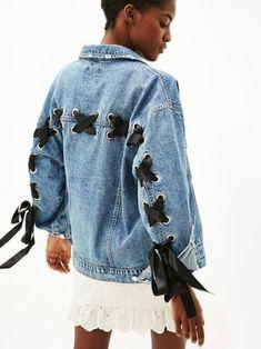 Veste en jean laçage de Bershka