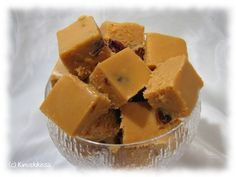 Karpalo-valkosuklaafudge Cranberry-white chocolate fudge