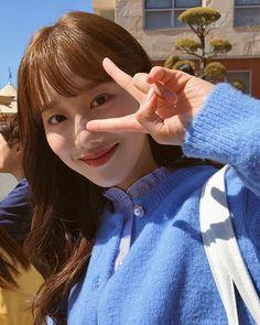 플레이리스트さんはInstagramを利用しています:「김하랑 같이 서연대 갈 사람 박수👏👏👏 잠시 후 7시 에이틴 본방 사수👏👏👏 . . . #에이틴2 #에이틴 #플레이리스트 #김하나 #이나은 #에이프릴 #파인에플 #고1 #고2 #고3 #대학교 #축제 #서연대 #셀카」 South Korean Girls, Korean Girl Groups, Teen Web, Weightlifting Fairy Kim Bok Joo, Drama Korea, Girl Gang, Korean Singer, Kpop Girls, My Idol