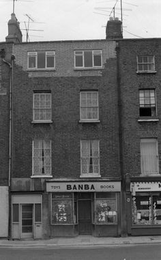 Ireland Pictures, Old Pictures, Old Photos, Dublin City, Dublin Ireland, Great Photos, Childhood Memories, Irish, Explore