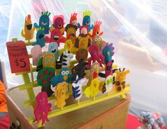 Very cool finger puppet display