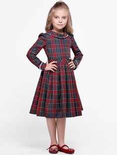 Annette Red Square by Alisia Fiori on Etsy. Dresses and coats for girls and women. Abiti e cappotti Stylish Dresses For Girls, Little Girl Dresses, Girls Dresses, Frock Patterns, Kids Dress Patterns, Crochet Baby Dress Pattern, Robe Swing, Baby Dress Design, The Dress