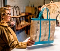 Handy as a bag can be - the all-time favorite mesh is her first choice.
