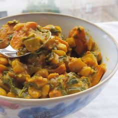Vegan Kale and White Bean Kormahttp://food52.com/recipes/25591-vegan-kale-and-white-bean-korma