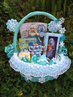 Frozen gift basket made by normas unique gift basket6000 frozen themed easter basket negle Gallery
