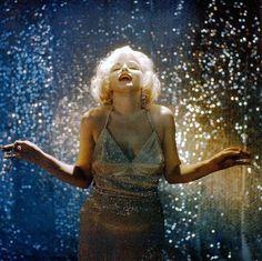 *MARILYN MONROE ~ photographed by Richard Avedon