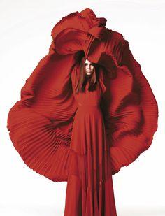 Anja Cihoric (@STARSYSTEM SERBIA / Women) for Madame Figaro France, shot by Naomi Yang