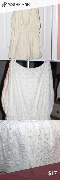 romper Mossimo Romper - Lace outer shell /rayon lining - Off White - spaghetti strap - EUC Mossimo Supply Co. Shorts