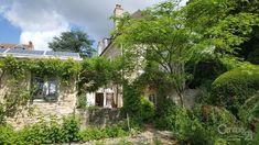 Maison à vendre - 7 pièces - 198 m2 - DOLE - 39 - FRANCHE-COMTE Cabin, House Styles, Plants, Home Decor, Homemade Home Decor, Decoration Home, Room Decor, Flora, Cottage