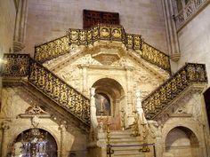 DIEGO DE SILOÉ: Escalera Dorada de la Catedral de Burgos. Encargo del Cabildo catedralicio y del obispo Juan Rodríguez de Fonseca.