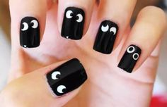 Spooky eyes nail art for Halloween!