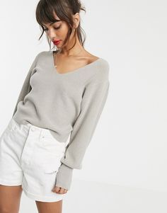 Shop ASOS DESIGN v neck jumper with blouson sleeve. With a variety of delivery, payment and return options available, shopping with ASOS is easy and secure. Shop with ASOS today. Asos, Jumpers For Women, Cardigans For Women, Pulls, New Outfits, My Outfit, Latest Trends, V Neck, Clothes For Women