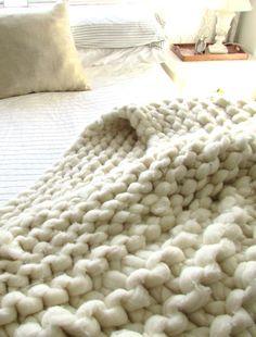 DIY Chunky Knit Blanket - Knitting with Broomsticks | Francois et Moi