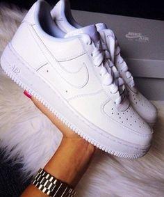 Nike Air Force One – Feminino – Cano Baixo – Branco Tenis Da Nike Feminino 828ee1b3ca42c