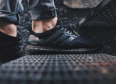 big sale f80b7 20e8e Adidas Ultra Boost - Triple Black - 2016 (by toptiiger) Pack and travel with
