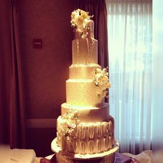 Could this be your wedding cake?! #spinellisboston #spinelliscakes #spinellisbanquethall