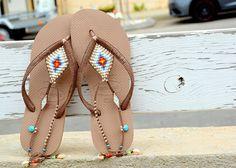 Bohème Flip Flop sandales Style Boho, sandales femmes cheville plage Or Rose femme Havaianas sandales, sandales de bijoux perlés pied, Multicolore et argent décorée Bohème flip-flop basé sur Bronze Rose or Havaianas - 100 % fait main. Vous pouvez décorer vos mains, oreilles, le cou