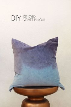 This dip dyed pillow project is really simple and still a lot of fun! It's perfect for when you want to craft and get something super cool at the end!