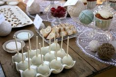 christmas-cake-pops and awesome holiday photo shoot