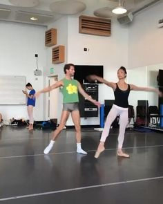 Ballet Gif, Ballet Dance Videos, Dance Choreography Videos, Ballet Dancers, Ballet Dance Photography, Cheer Dance, Ballet Beautiful, Pointe Shoes, Modern Dance