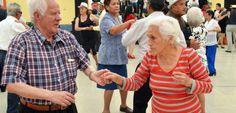 Los abuelitos de Azcapotzalco se divierten como niños