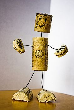 Used Mauve Corks on the market to be utilized for trade tasks like beer cork wreaths, stopper timber sheets, wedding ceremony gifts and more. Wine Craft, Wine Cork Crafts, Bottle Crafts, Wine Cork Art, Wine Corks, Wine Bottles, Wine Cork Ornaments, Snowman Ornaments, Champagne Corks