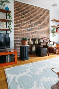 Allison & Ben's Scenic & Textured Brooklyn Home - TV solution