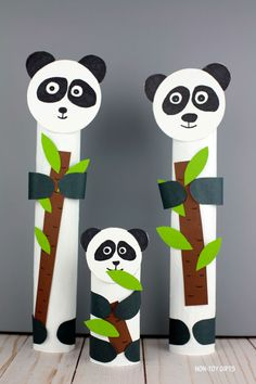 Paper roll panda craft - zoo animal craft for kids Make a r. Paper roll panda craft - zoo animal craft for kids Make a recycled ZOO animal craft and turn a Giraffe Crafts, Ocean Animal Crafts, Bear Crafts, Animal Crafts For Kids, Winter Crafts For Kids, Toddler Crafts, Preschool Crafts, Craft Kids, Kids Crafts