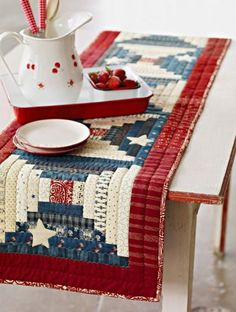 Star Spangled Banner table runner, free patriotic quilt pattern at AllPeopleQuilt.com