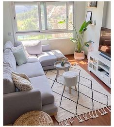 Small Apartment Living, Small Apartment Decorating, Small Living Rooms, Home Living Room, Modern Living, Bedroom Small, Diy Decorating, Small Home Decorating Ideas, Living Room Interior