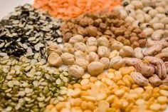 Semi di quinoa 500gr   Pianta originaria del Sudamerica, si utilizza per pietanze dolci e salate    alimento della salute