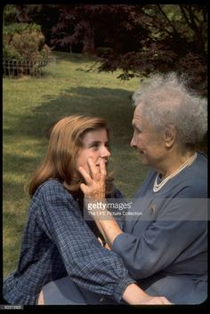 Activist for the disabled, Helen Keller laying her hands on the face of actress Patty Duke while meeting her for the first time. Duke portrayed Miss Keller in the play The MIracle Worker Get premium, high resolution news photos at Getty Images Pictures Of Helen Keller, Helen Keller Quotes, About Helen Keller, The Miracle Worker, Patty Duke, I Love My Daughter, Film Images, Photo Tutorial, Famous People