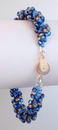 great tutorial on how to make a spiral bracelet great way to use up seed beads and looks great