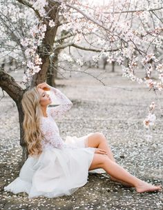 Audrey lace top and Emma tulle skirt by Bliss Tulle Model: Stephanie Danielle Anna Perevertaylo Photography Spring Photography, Wedding Photography Poses, Girl Photography, Creative Photography, Bild Girls, Foto Fantasy, Foto Casual, Spring Photos, Shooting Photo