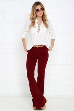 Start your adventures off right by slipping into the Walking in Memphis Wine Red Corduroy Flare Pants first thing in the morning! Wine Pants, Look Boho, Mein Style, Red Pants, Fall Winter Outfits, Spring Outfits, Winter Fashion, Corduroy Pants, Work Attire