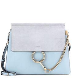 Chloé - Schultertasche Faye aus blauem Glatt- und Veloursleder