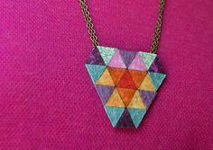 Collar triangulitos   Diseño exclusivo Art & Patch Barcelona