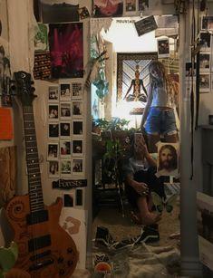 Room Design Bedroom, Room Ideas Bedroom, Bedroom Decor, Bedroom Inspo, Indie Room Decor, Cute Room Decor, Chill Room, Cute Room Ideas, Grunge Room