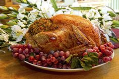 A the centerpiece of any Thanksgiving meal, it's important to roast your turkey right. Here's how you can cook the perfect Thanksgiving turkey. Thanksgiving Activities, Thanksgiving Turkey, Thanksgiving Recipes, Holiday Recipes, Healthy Food Choices, Healthy Recipes, Easy Chicken Spaghetti, Perfect Turkey, Best Meat