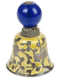 Campana-China-del-S-XIX-Dinastia-Qing-en-vidrio-de-Pekin