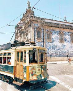 Os 7 painéis de azulejos mais bonitos de Portugal | VortexMag Places To Travel, Places To Go, Cities, Porto Portugal, Douro, Portuguese Tiles, Adventure Is Out There, Travel Abroad, Travel Inspiration