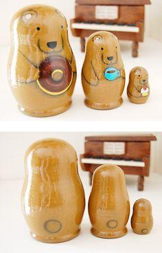 - Matryoshka - Bear Nesting Dolls